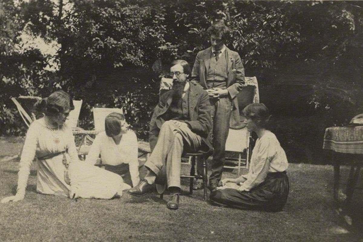 Some Bloomsbury members