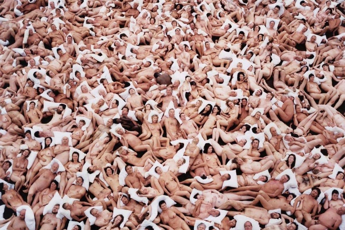 Spencer Tunick - Flanders 2 (Gaasbeek Castle, Belgium) (detail), 2011