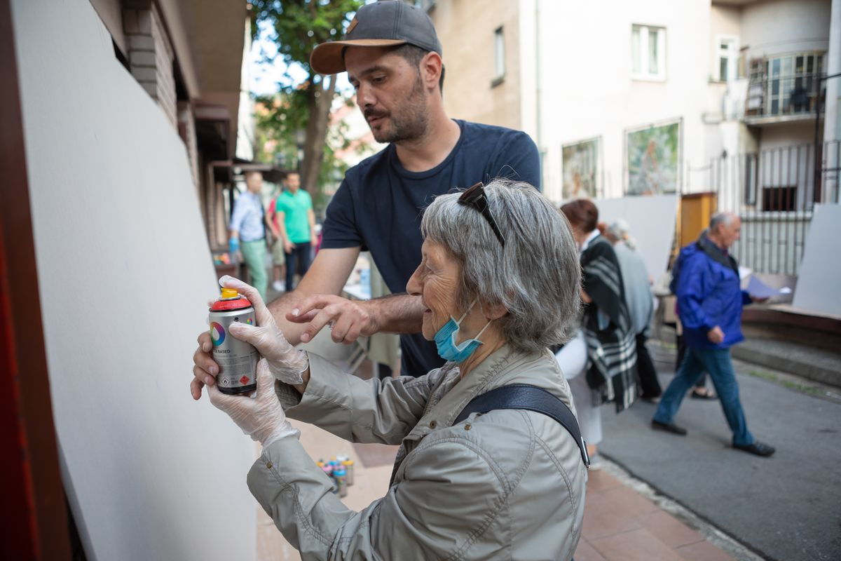 Street art workshop for seniors