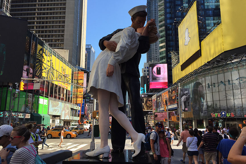 Nurse navy guy kissing The Real