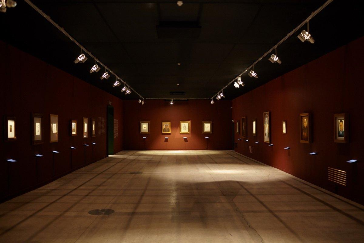 Viva la Vida Frida Kahlo and Diego Rivera - Installation view