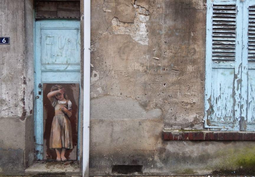 Nadege Dauvergne - En penitence, Rue Pasteur  Meru, 2015, photo credits - artist