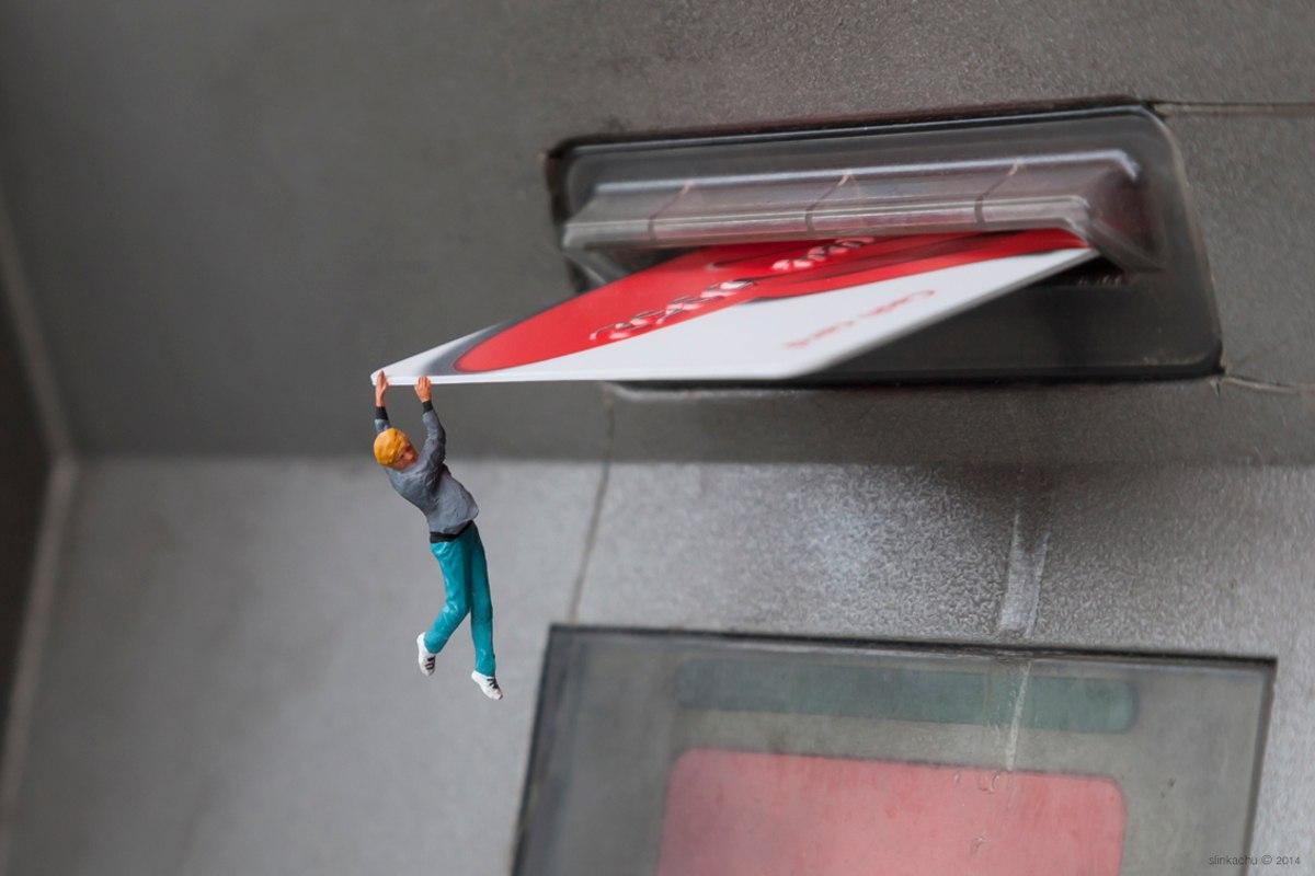 Slinkachu - Bank Balance - Chiswick, London, 2014
