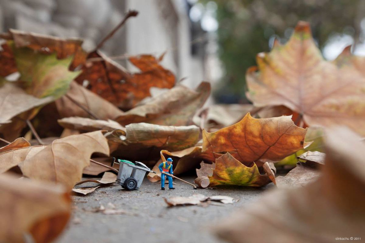 Slinkachu - Dead Leaves - Embankment, London, 2011